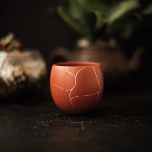 Пиала для чая из исинской глины Кинцуги - 100 мл