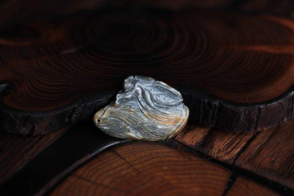 Нефритовая подвеска Цикада на побеге бамбука 011